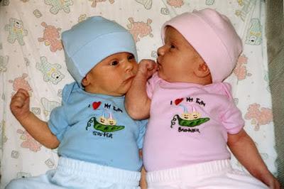 TwinsPeaPodShirts