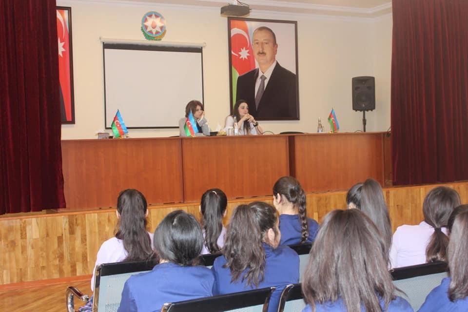 """""""İmtahanqabağı həyəcan və stressin aradan qaldırılması yolları"""" seminarı"""